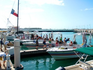 Families and friends loading up the parasail boats.