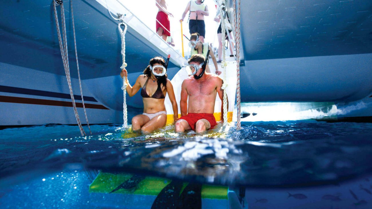 Image of couple on the Fury Rum and Reggae Snorkel Tour
