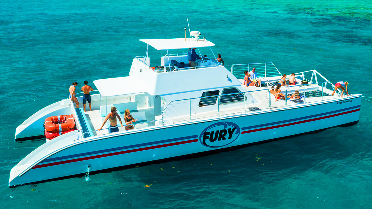 Image of people embarking on the Fury Double Dip Snorkel Tour