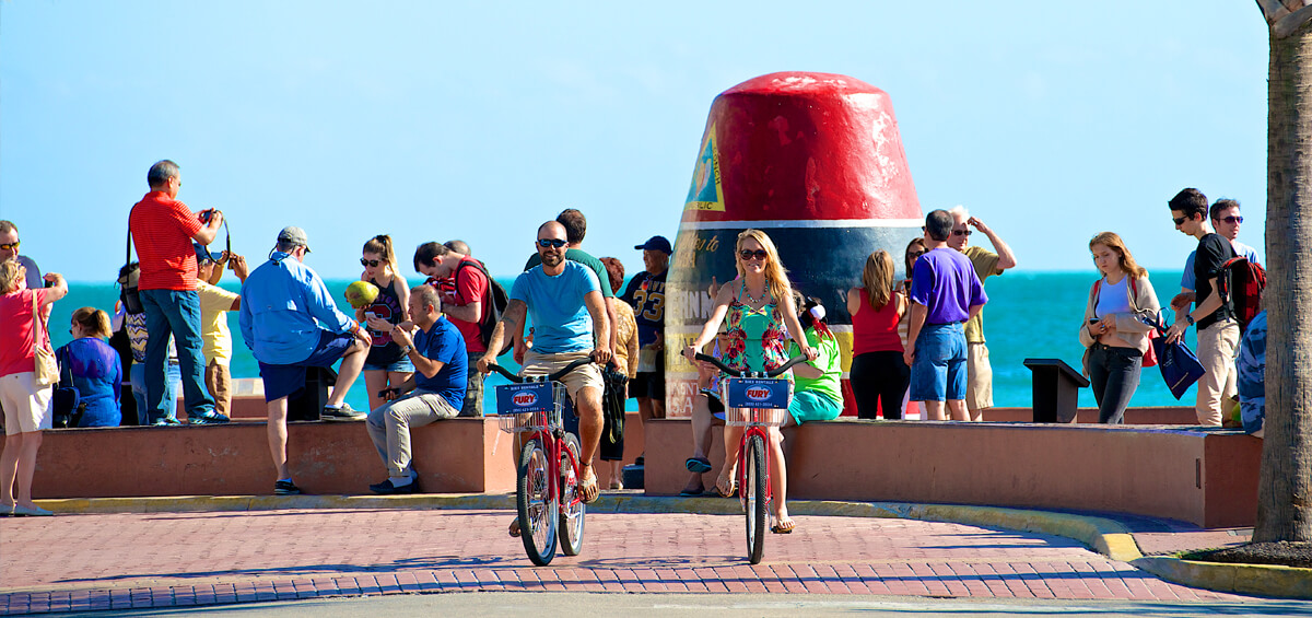 Couple renting bikes from Fury to ride around Key West