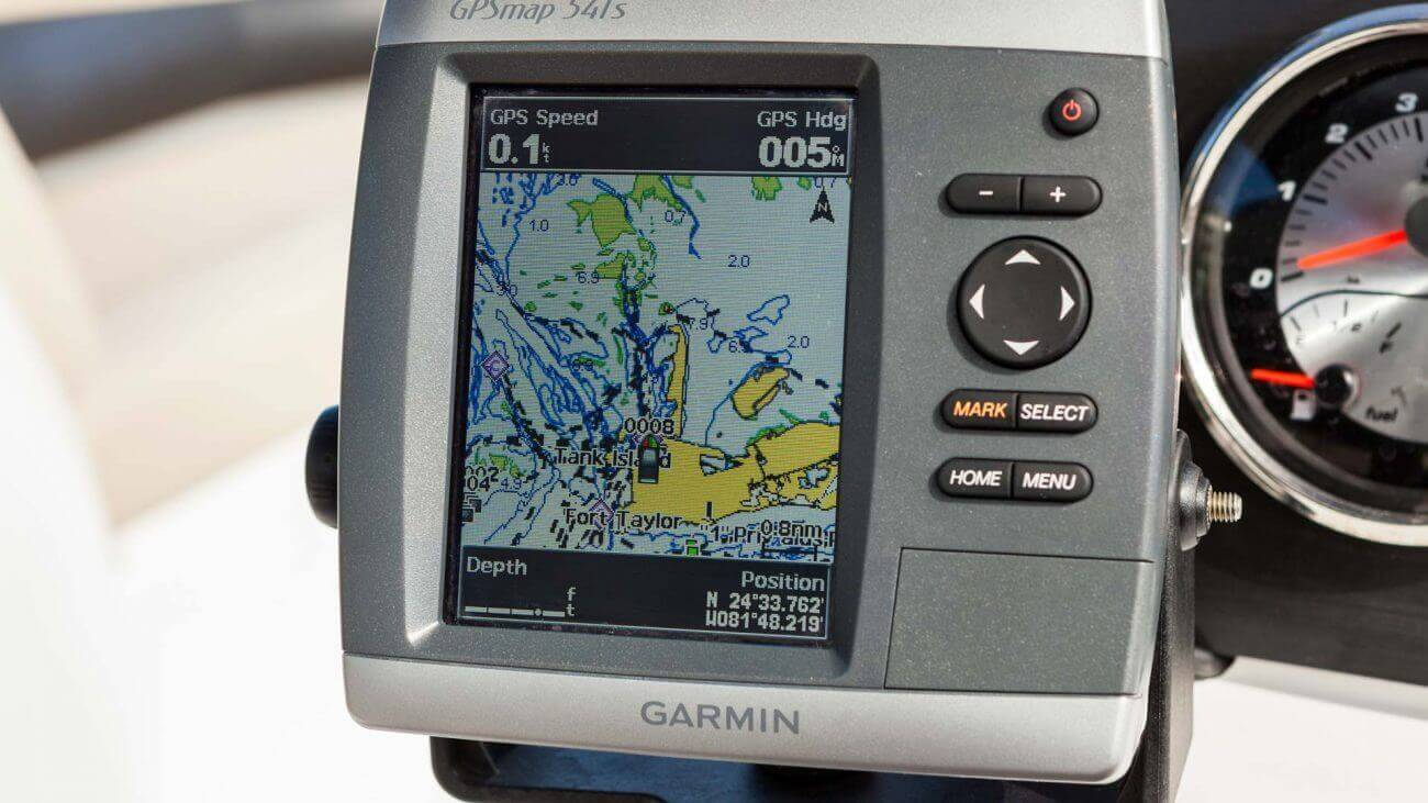 Image of a Garmin GPS on Hurricane Sundeck boat