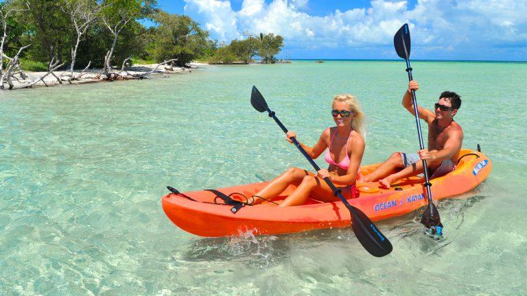 Image of couple kayaking in Key West