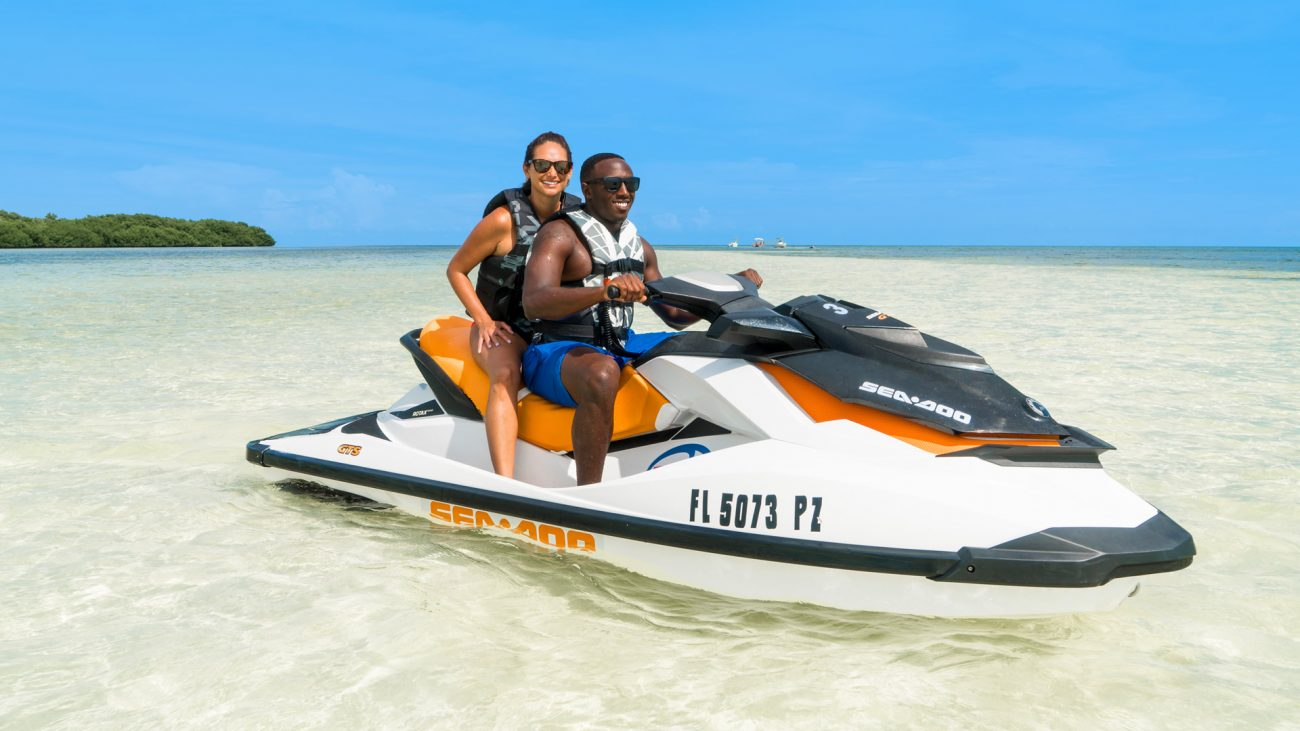 Image of people jet skiing in Key West