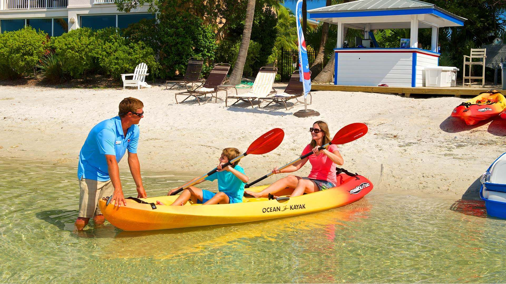 Family renting a kayak in Key West