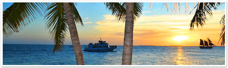 photo of the fury glass bottom boat at sunset in key west