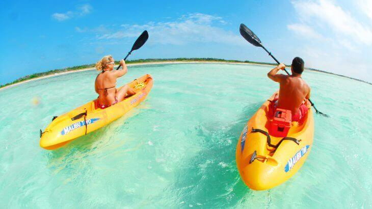 Image of couple kayaking in Key West