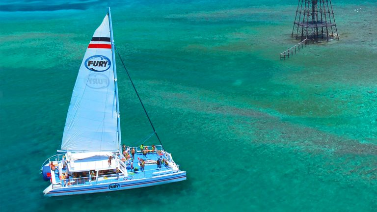 Image of Fury catamaran on the way to snorkeling area in Key West